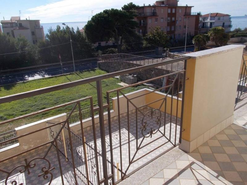 Appartamento in vendita a Riva Ligure, 3 locali, prezzo € 225.000 | PortaleAgenzieImmobiliari.it