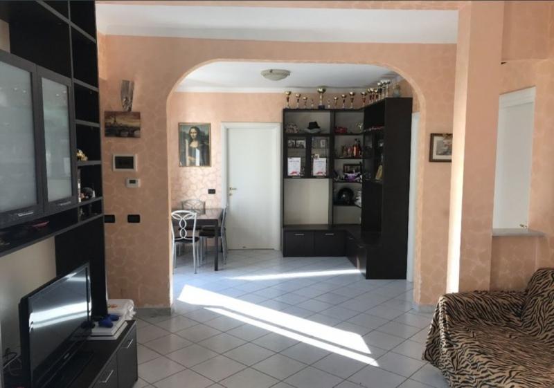 Appartamento ristrutturato arredato in vendita Rif. 6413945