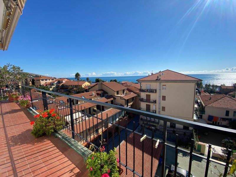 Appartamento in vendita a Riva Ligure, 4 locali, prezzo € 250.000 | PortaleAgenzieImmobiliari.it